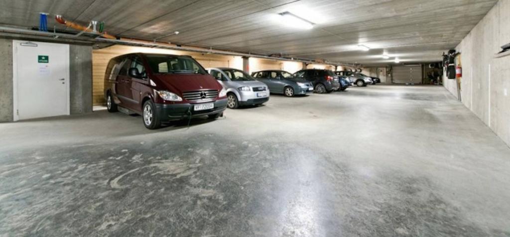 Parkeringskjeller Lys